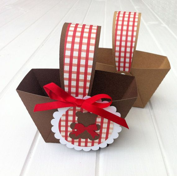 perfect for party favours, teddy bear picnic baskets, also make great table decor.  Teddy Bears Picnic Mini Baskets. Birthday party by MyPaperPlanet