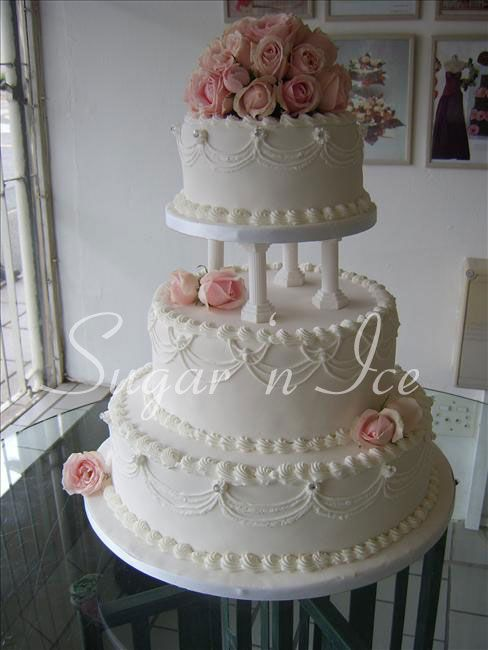 Indian Weddings Inspirations. White Wedding Cake. Repinned by #indianweddingsmag indianweddingsmag.com #classic_cakes