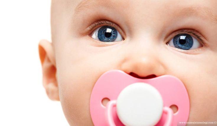 Bebek Bakımı | Bebeklerde ve Çocuklarda Emzik Kullanımı Ağlayan bebeği susturmanın en ideal yolu ona yalancı emzik vermek yerine, ağlamaya... Devamını oku