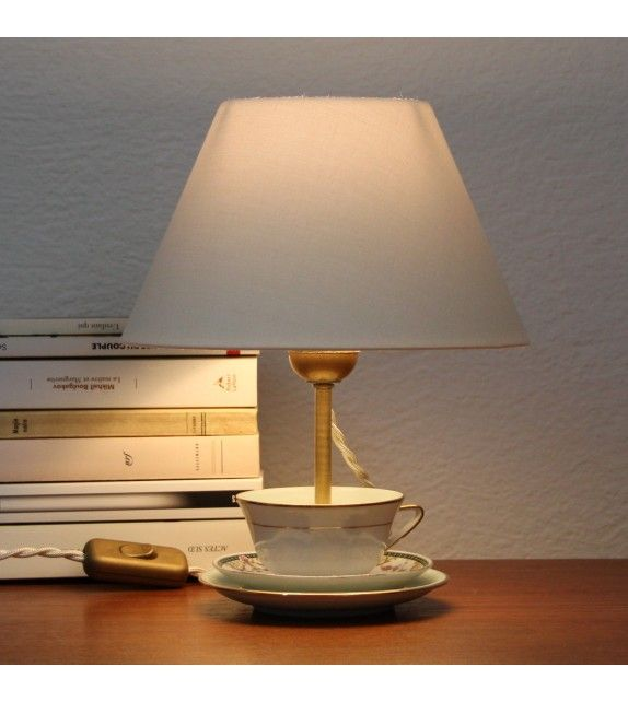 Epingle Par Berta Brown Sur Lumiere Lampes Et Suspensions Lampe De Chevet Lampes De Table Lamp