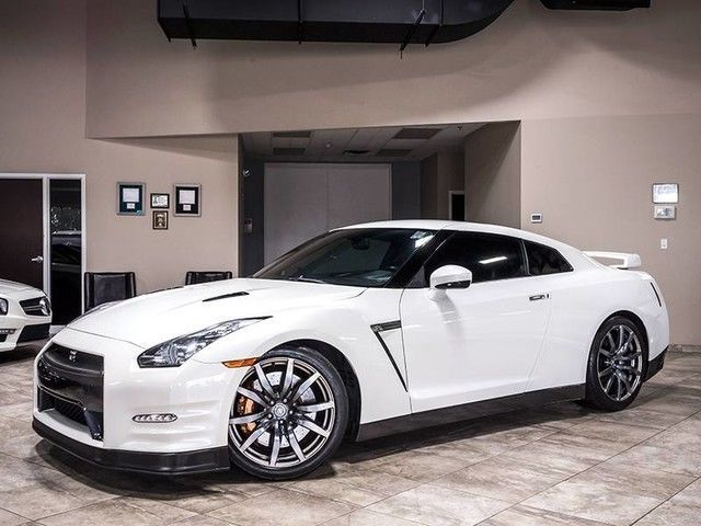 Awesome Great 2012 Nissan GT-R  2012 Nissan GT-R Premium Coupe Pearl White Carbon Fiber Wrapped Interior Trim 2018 Check more at http://24cars.tk/my-desires/great-2012-nissan-gt-r-2012-nissan-gt-r-premium-coupe-pearl-white-carbon-fiber-wrapped-interior-trim-2018/