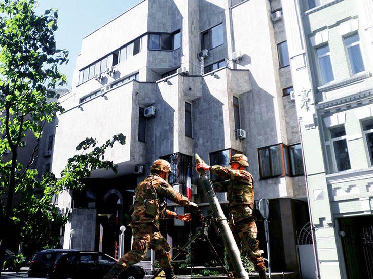 Un politologue ukrainien à la TV menaçait les Français et de bombarder notre ambassade, #Ukraine
