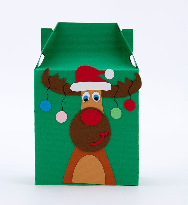 Cutie cadou Craciun realizata din carton si model in forma de ren realizat din carton aplicat in multiple straturi