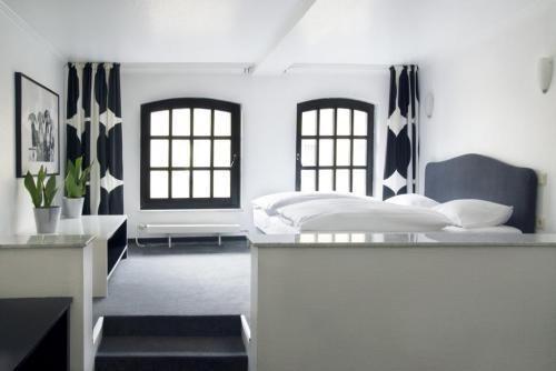 Atrium Rheinhotel - 4 Star #Hotel - $82 - #Hotels #Germany #Cologne http://www.justigo.ca/hotels/germany/cologne/atriumrheinhotel_216187.html