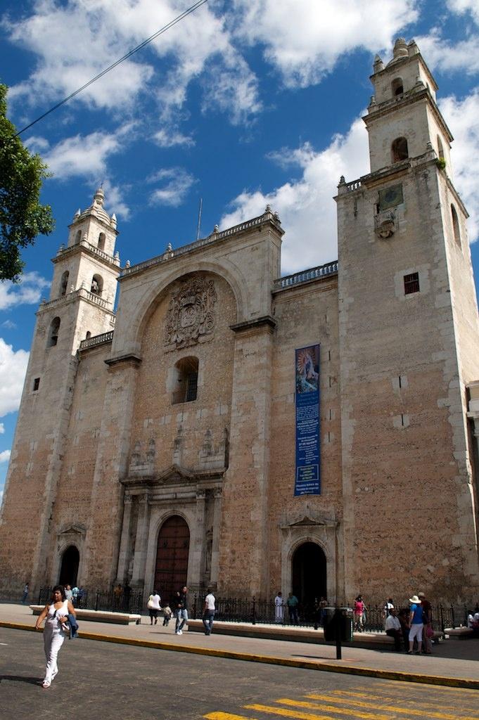 La Catedral de San Ildefonso es la más antigua de la América continental  #catedral #merida  Fuente: Wikipedia