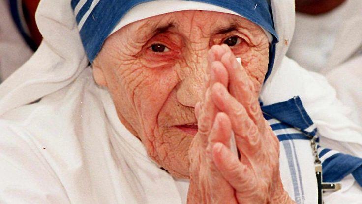 Nach Wunderheilungen: Mutter Teresa: Heilig und umstritten