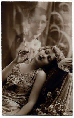 old beautyThe Women, Dreams Man, 1920, Vintage Romances, Photography Portraits, Sweets Dreams, Old Photos, Smoke, Graphics Fairies