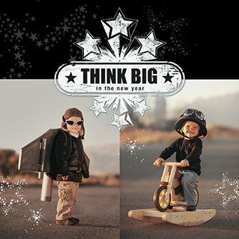 Originele kerstkaart met kinderen die verkleed zijn als piloot en motorcoureur. Denk groot! http://www.goededoelkerstkaarten.nl/nl/producten/kaart/133076