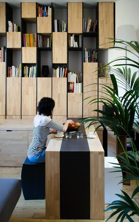 inspiracja regał w gabinecie, Appartement M, Bordeaux, 2014 - L'atelier miel #bookshelves #interiors #wood