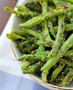 Roasted Green Beans with Parmesan and Basil | 14 Easy Side Dishes For Chicken | Simple Yet Flavorful Recipe to make every meal more Delicious! Homemade Recipes : http://homemaderecipes.com/14-side-dishes-for-chicken/