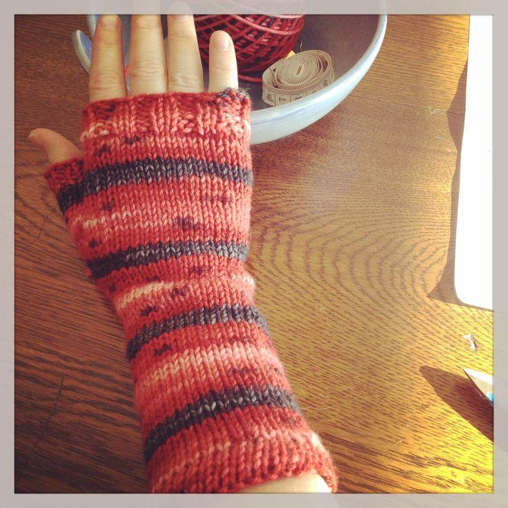 Mitaine coccinelle de La Maison tricotée :)