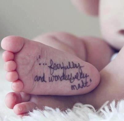 """""""…Furchtvoll und wundervoll hergestellt."""" Baby… ..für Mutterschaftsinspiration, Shop"""