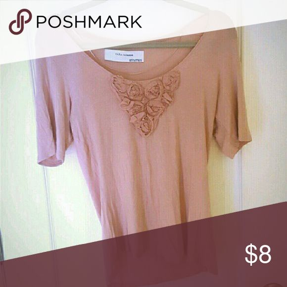 Zara Basics Blush Nude Top with Floral Applique Size medium. Syper comfortable, soft and stretchy Tee-shirt like material! Never worn Zara Tops