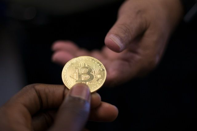 Cryptocurrency exchange Coinbase has contacted 13,000 of its users to inform them that it is going to hand over their details to the IRS. The tax collection agency originally asked for the details …