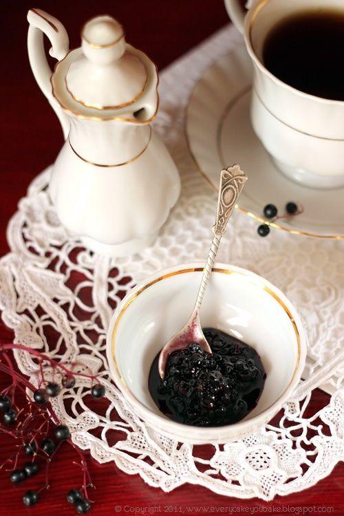 Konfitura z owoców czarnego bzu:
