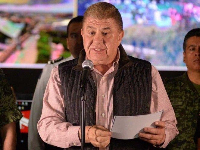 <p>* José Manzur, secretario general del gobierno local, aseguró que ya trabajan en los casos reportados en Atlacomulco y Metepec; esposa de