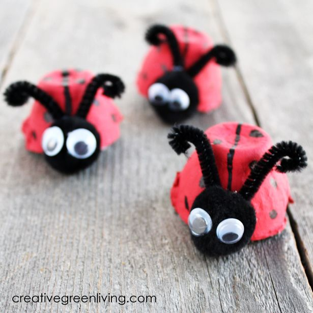 How to make ladybugs from a recycled egg carton. So cute! The perfect kids craft for spring.