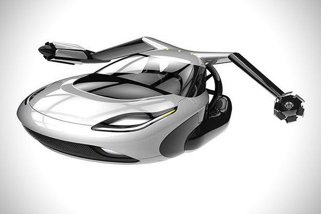 La voiture volante prête à décoller