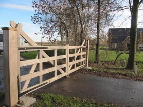 Engelse poort houten open inrijpoort landelijke poort met