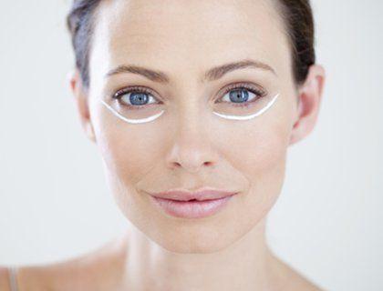 Бьюти-шпаргалка: как ухаживать за кожей вокруг глаз