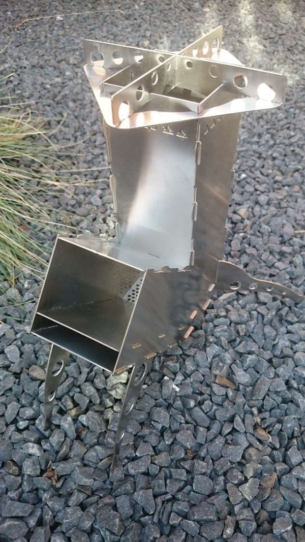 how to build a rocket stove with cans
