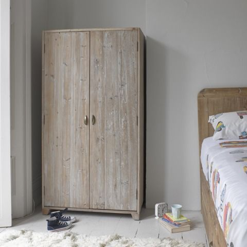 HONEY BUNNY WARDROBE This one's a real cutie. And loved by kids and grown-ups alike. A super space-saver, it means there's more room for activities! Looks great with our Greta bed.