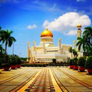 ブルネイのモスク。まるでアラジン。ブルネイ 旅行・観光の見所!