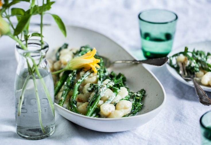 Zapečené noky s gorgonzolou a brokolicí   KITCHENETTE