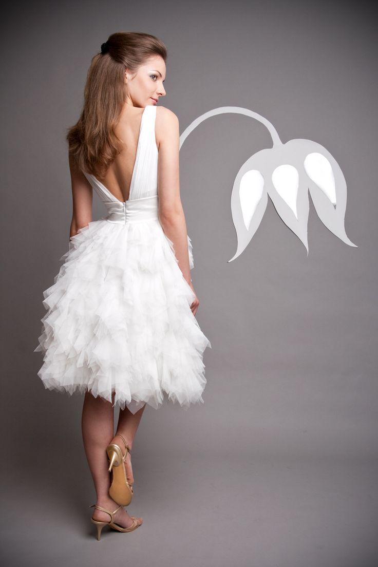 rövid menyasszonyi ruha tüllből, short wedding dress
