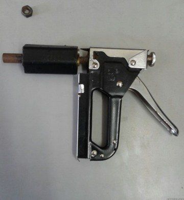 an analysis of guns A model is posited in which guns are demanded for recreation, self-protection, or criminal purposes, and in which crime is supplied crime rates influence guns demanded for self-protection, and guns demanded by criminals depend upon guns held by law-abiding citizens comparative static analysis was used to.