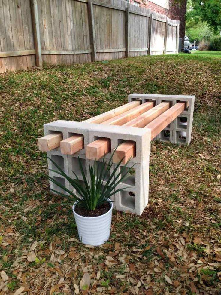 Sitzbank aus Betonziegel und Holzlatten, die sich einfach auseinanderbauen lässt ähnliche tolle Projekte und Ideen wie im Bild vorgestellt findest du auch in unserem Magazin