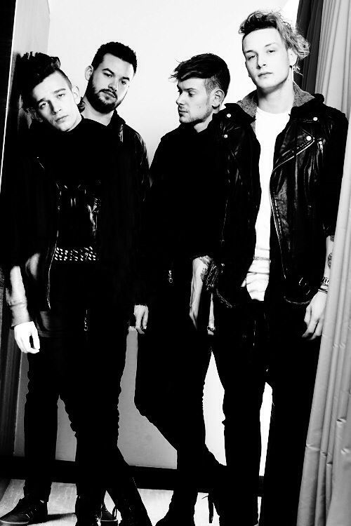2. They have a thing about black and white color schemes. | Community Post: 19 Things You Should Know About The 1975