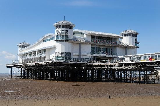Western-super-Mare.  One of my nearest beaches.  Must get back thre soon maybe this year