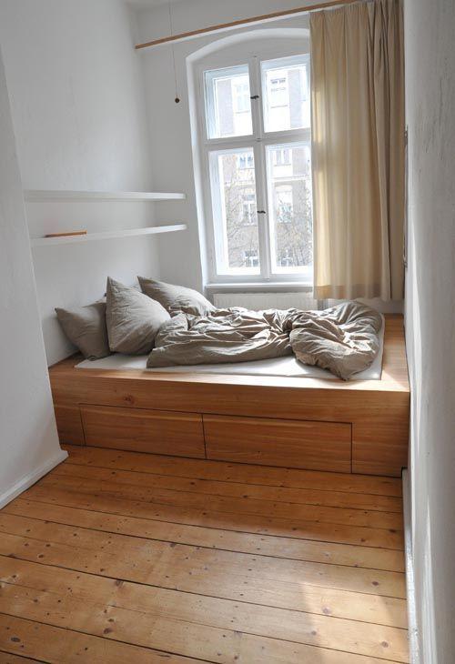 Wieder kleine Räume. Ein weiterer Berliner Schreiner – ein Freund hat mit … …