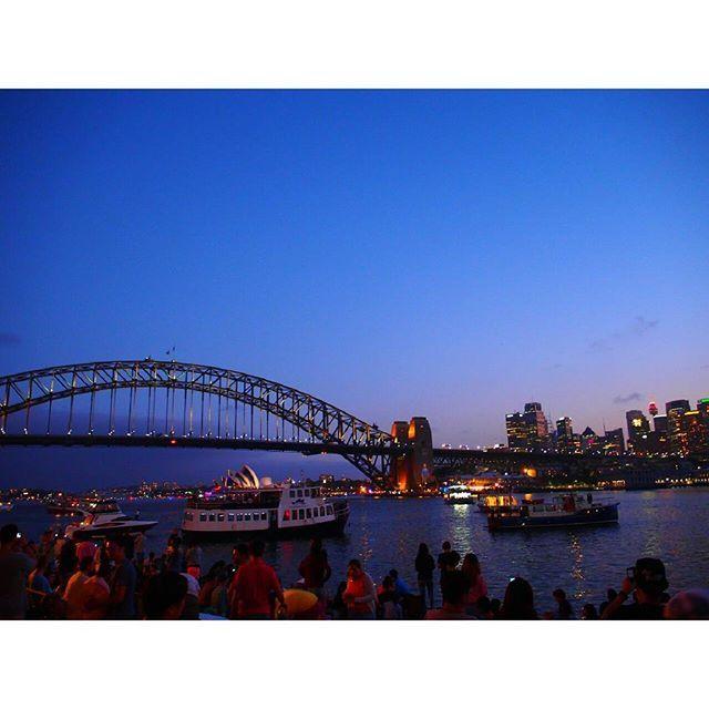 Instagram【__ymymym__】さんの写真をピンしています。 《Sydney trip✈  I don't mind about that😂  私たち花火の正面にいなかったことが発覚! でも充分キレイだったから良し◎ そして何といっても待ち時間の夜景がすこぶるキレイでした🌉  #31122016#ワーホリ#ユウホリ#オーストラリア#AUS#australia#シドニー#Sydney#trip#travel#旅行#旅#newyeariscoming#newyears#年末年始#2016#2017#カウントダウン#nightview#夜景#beautiful#夜景を上手く撮れるようになりたい#やっぱりミラーレスの方がゴープロよりキレイ》