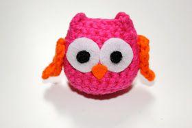 Material:  -Wolle für den Körper  (Ich verwendeBaumwolle)  -Wollrest für die Flügel  (Oder Filzrest, wenn sie euch zu kompliziert sind...