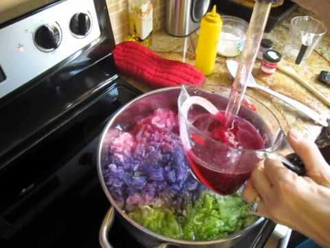 Dyeing wool on top of the stove with a dye stock solution