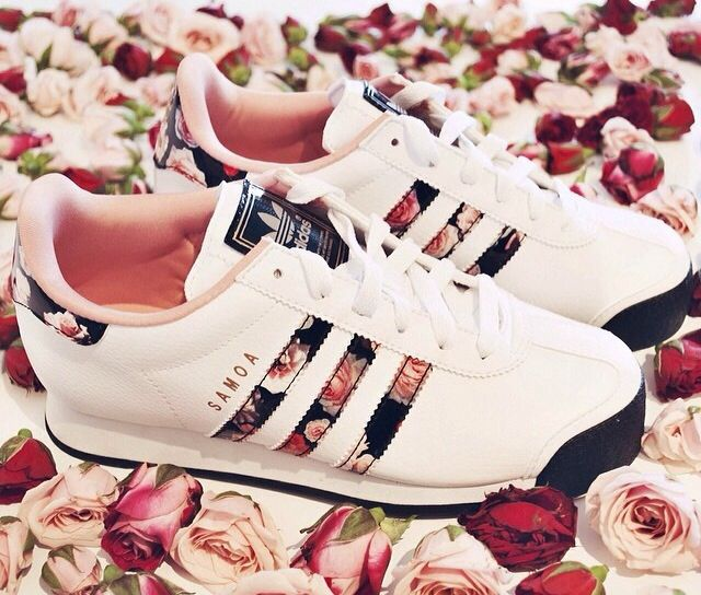 Adidas womens samoa white floral rose running sneakers shoes 6.5 7