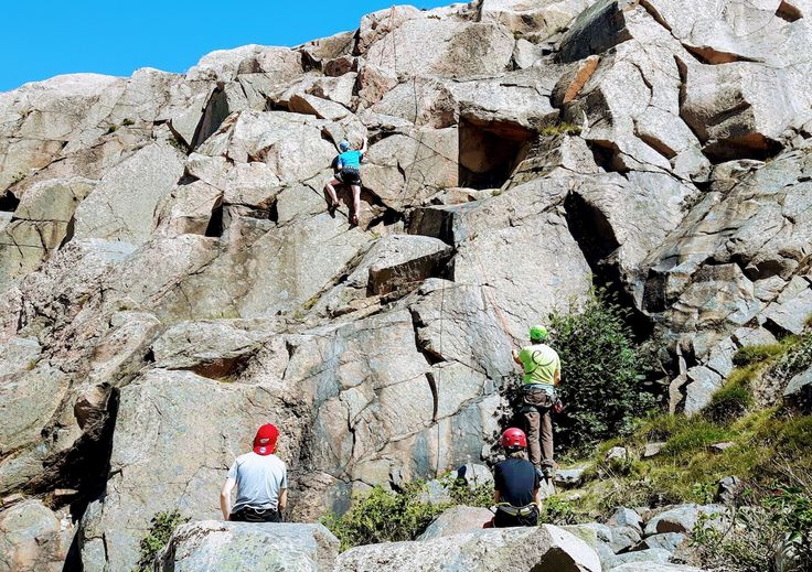 Rock climbing in Bohuslän, an adventure close to Gothenburg. The West coast offers great rock climbing and coast-steering. Trad and…