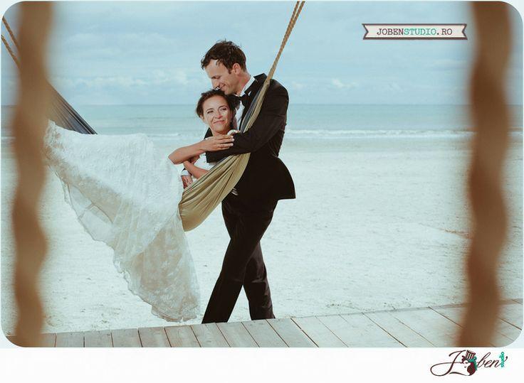 sedinta foto la mare Oana si Razvan Joben Studio |  © www.jobenstudio.ro #romania #beach #wedding #photography #constanta #jobenstudio #relaxed #zen