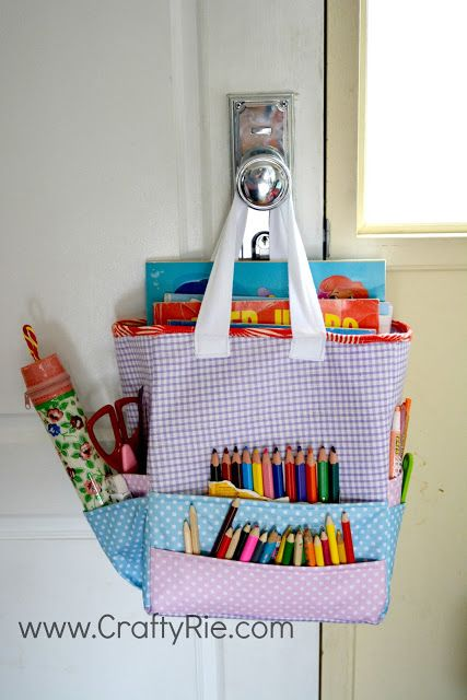 An Art Caddy Tote for a child. #bagmaking #sewing #storage #craftstorage #art