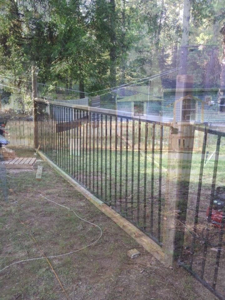 3 Simple And Modern Tips Can Change Your Life Easy Fence Diy Backyard Old Wild Flowers Iron Privacy