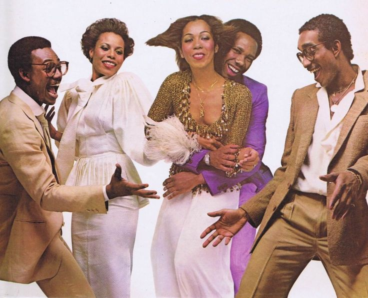 CHIC - Nile Rodgers (Rhythm-Guitar) Bernard Edwards (Bass-Guitar) LaBelle drummer Tony Thompson w.  female vocalists Norma Jean Wright  &  Alfa Anderson