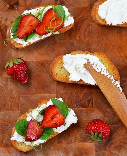 crostini with pea shoots and strawberries by thekitchn #crostini #pea ...