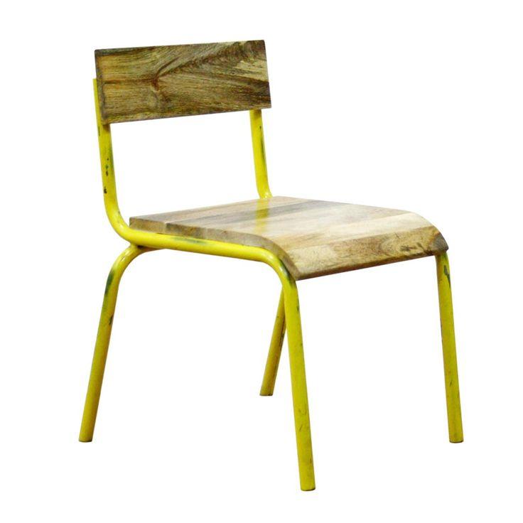 """Hier zeigen wir Ihnen einen charaktervollen Stuhl von  Kidsdepot .   Lehne und Sitzfläche bestehen aus stark gemasertem Holz. Die Metallbeine sind im """"Shabby Stil"""" lackiert. Abgeplatzte Stellen sind also gewollt und verleihen dem..."""