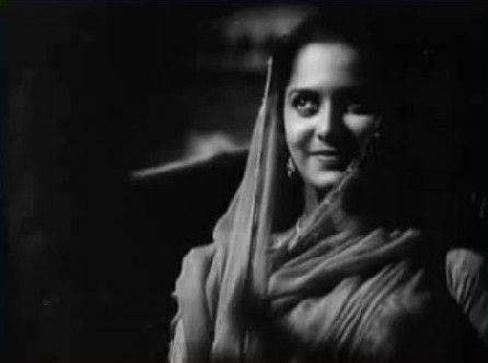 What made Bees Saal Baad such a good watch was its music, its fairly good suspense – and its lovely heroine. Waheeda Rehman had it all: an immense amount of talent, a rare beauty, a grace and digni…