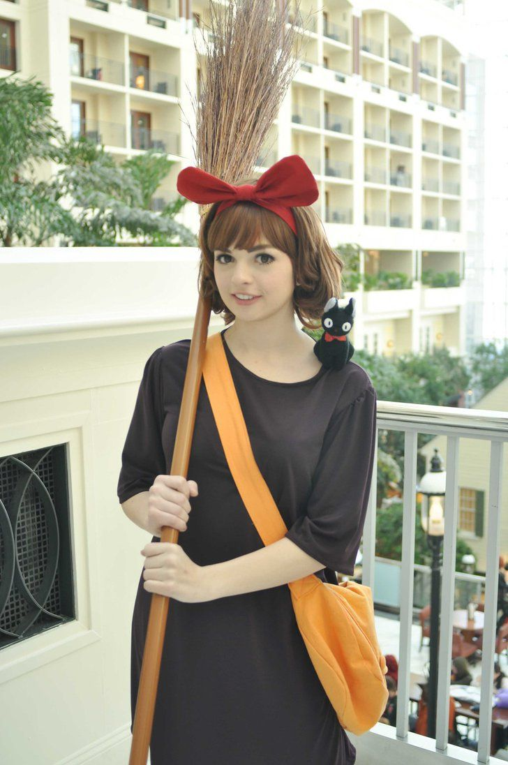 The 25+ best Kiki's delivery service cosplay ideas on Pinterest ...
