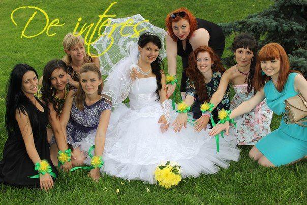 Свадебные аксессуары. Браслеты подружкам невесты от De interes. #браслеты_подружкам_невесты#свадьба#невеста#зеленый#желтый#яркая_свадьба#лето#аксессуары_для_подружек_невесты