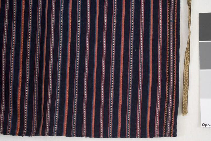 Förkläde i bomullsrips, Oxie härad,1800-tal. Malmö Museer, nr.   MM 001968:004