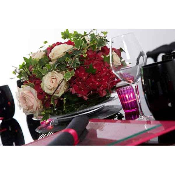 les 25 meilleures id es concernant centres de tables floraux bordeaux sur pinterest fleurs de. Black Bedroom Furniture Sets. Home Design Ideas